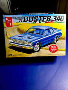 """amt '1971 Plymouth Duster 340 with Optional """"Six Pack"""" AMT 1:25 F/S new model"""