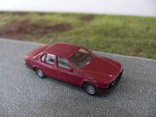 1//87 Wiking BMW 750i Viola 192 01 B