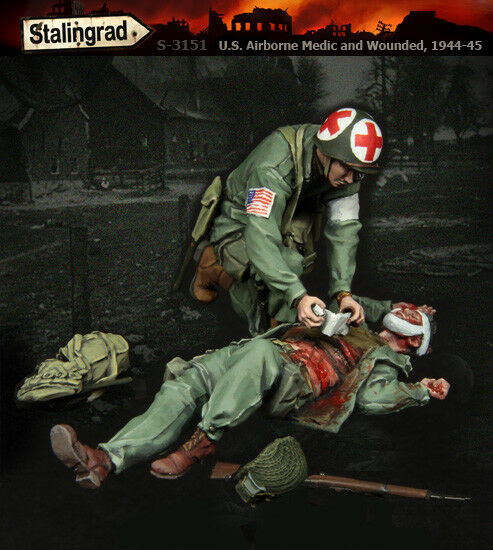 1 35 Scale resin model kit WW2 US Airborne Medic and Wounded