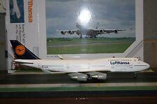 Herpa Wings 1:200 Lufthansa Boeing 747-400 'Koln' D-ABVR (550031)