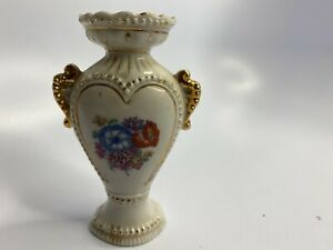 Vintage-Porcelain-Heart-Shaped-Bud-Vase-Germany-2985-White-w-Floral-Center