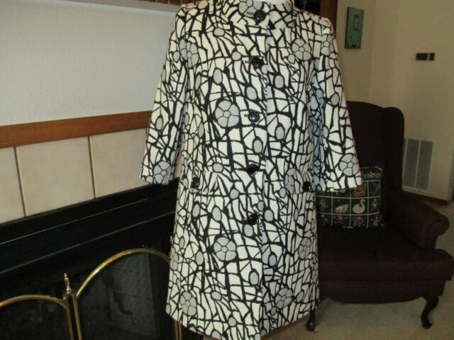 Woman's Coat Size 10 Madison Mod Classic  20% Wool- Runway Look  EUC
