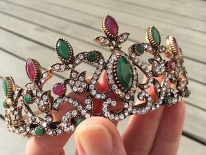 Antique Gold Turkish Tiara Branch Head Piece Green Red Indian Agate Wedding Herausragende Eigenschaften