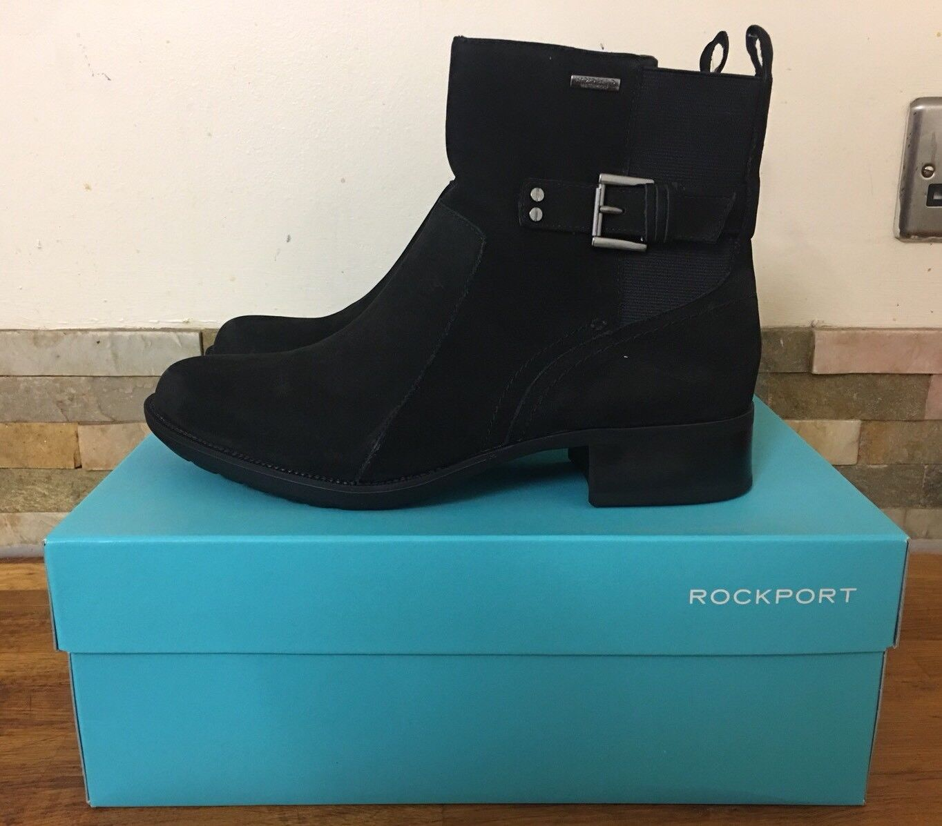 Rockport Gore First St. Waterproof Gore Suede Bootie Größe UK 7.5M/EU 42M/US 10M