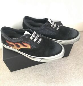 Palm Angles Distressed Flame Sneaker