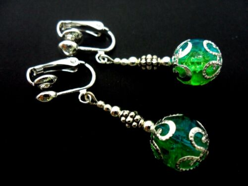 A PAIR OF DANGLY BLUE//GREEN CRACKLE BEAD SILVER PLATED DROP CLIP ON EARRINGS.