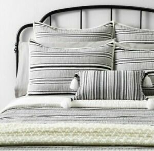 Full//Queen Textured Stripe Quilt Railroad Gray Hearth /& Hand with Magnolia