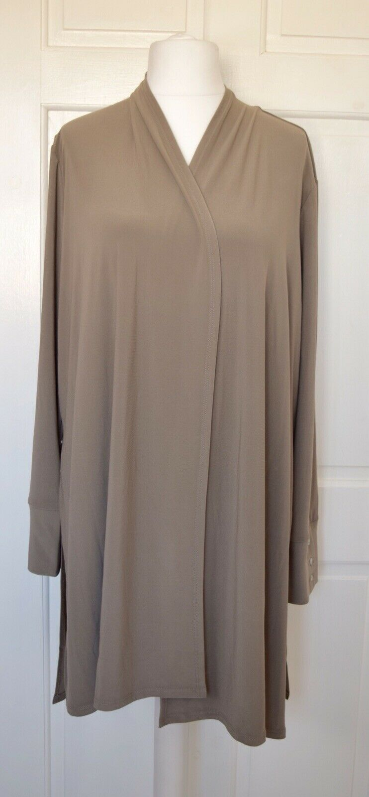 MarlaWynne Matte Jersey Cardigan with Side Button Button Button Detail Olive Grey Size L BNWT 2d2661