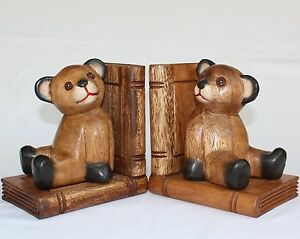 Wooden-Teddy-Bear-Pair-Bookends-handcarved-for-Acacia-wood-in-Thailand