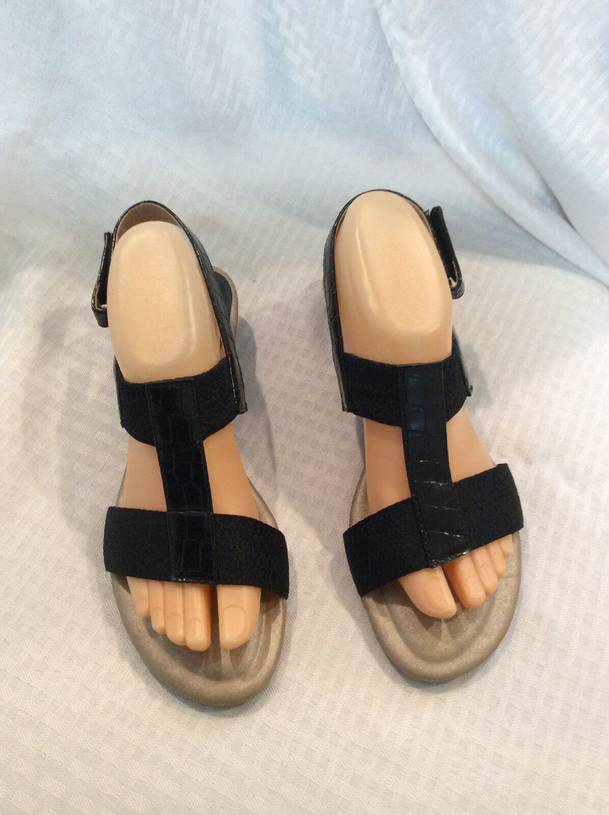 EUC Sandals Soft Style By Hush Puppies Co Womems Strappy Sandals EUC Size 9M Color Black e25ffd