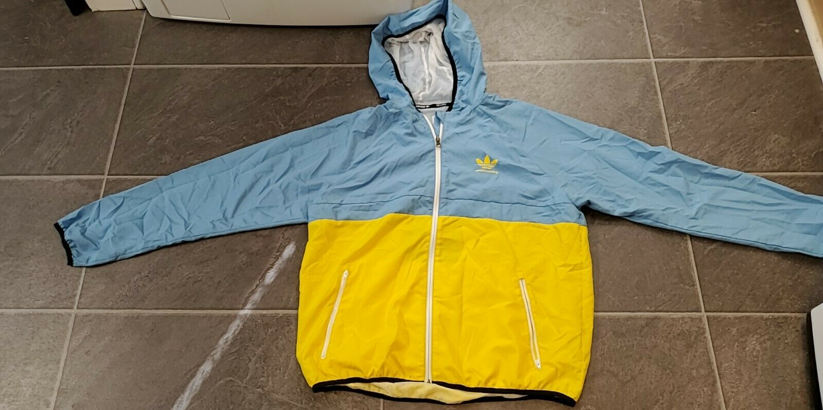 Shop den adidas Originals colorblock windbreaker