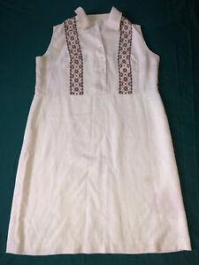 Handmade embroidered shirt Vintage Ukrainian embroidered shirt Linen Embroidered folk women/'s shirt Embroidered shirt Homespun dress