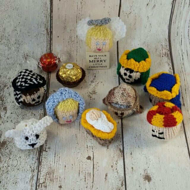 Christmas Knitting Patterns For Ferrero Rocher.Nativity Christmas Knitting Pattern Lindt Lindor Ferrero Rocher Cover Cosy