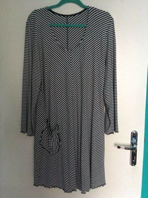 Kleid schwarz weiß gestreift Gr. L-XL NEU
