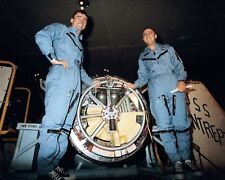8X10 NASA PHOTO JOHN YOUNG /& GUS GRISSOM GEMINI 6 BACK-UP ASTRONAUTS EP-297