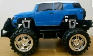 MONSTER-TRUCK-JEEP-SUV-Remote-Control-Car-1-18-FAST-SPEED-LED-LIGHTS-BLUE-RED