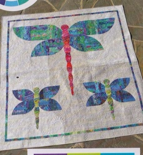 Dazzle fun pieced dragonfly quilt PATTERN Colourwerx
