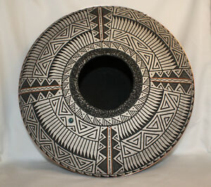 Native-American-Flat-Pot-with-Copper-Accent-by-Gerald-Pinto-Navajo
