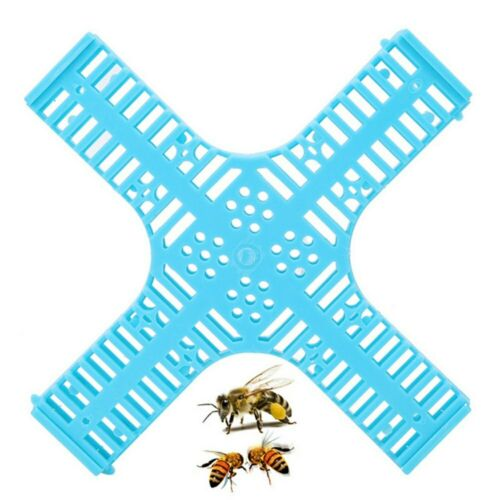 Plastic Functional Queen Cage Bee Moving Catcher Cage Beekeeping Tool NEW