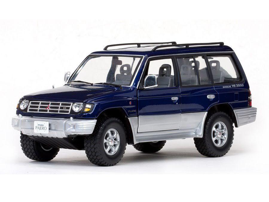 1 18 Mitsubishi Pajero Long V6 1998 1 18 • Sunstar 1223