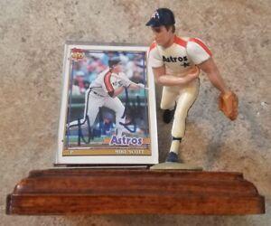 Mike Scott Starting Lineup figure figurine w/baseball card display & autograph