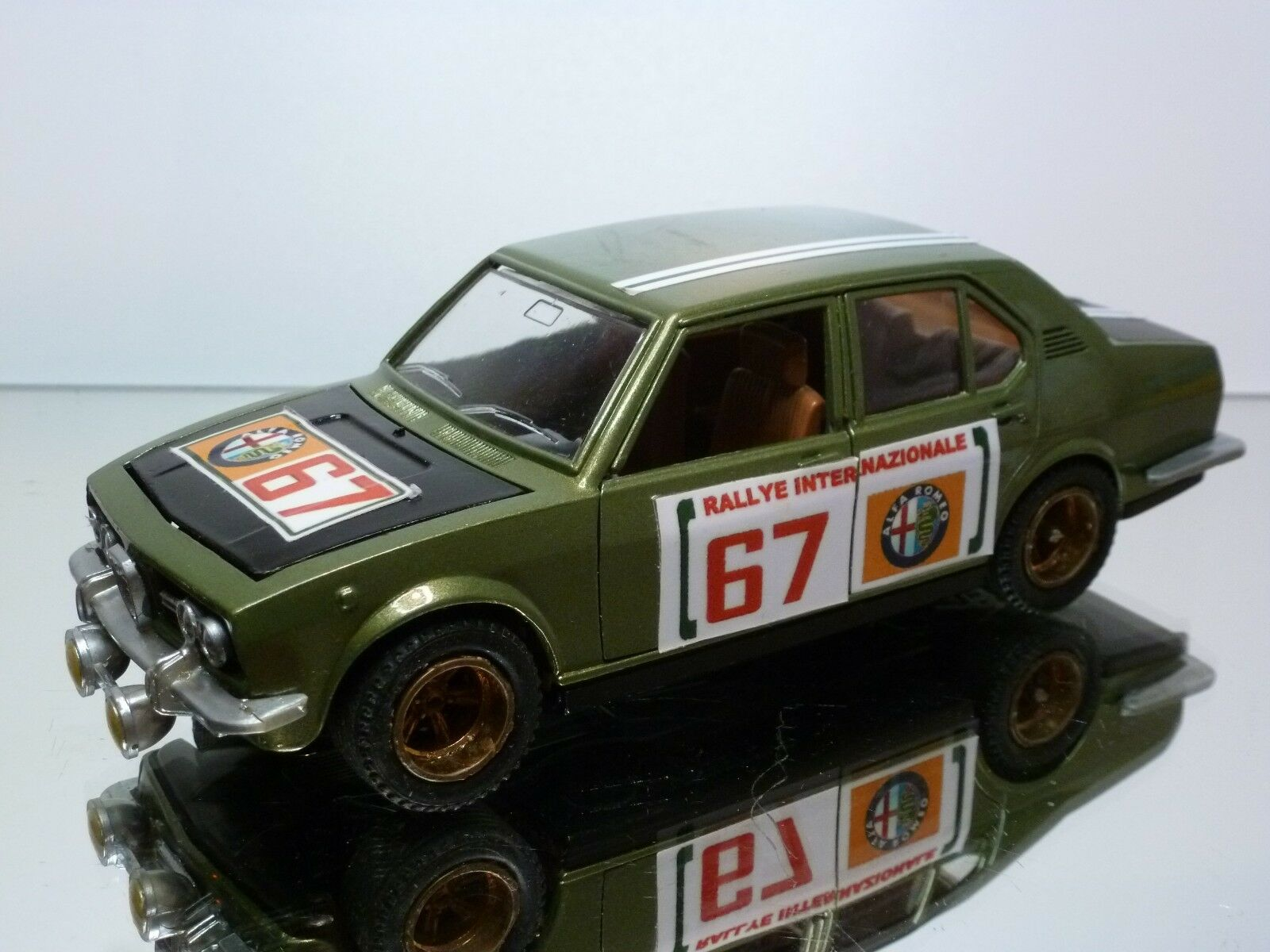Mebetoys alfa romeo alfetta rallye   67 - grüne 1  25 - gut - restauriert.
