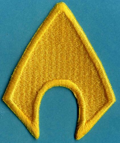 """AQUAMAN  4/"""" x 3.25/"""" Fully Embroidered Yellow Insignia Iron-On Patch"""