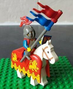 LEGO-Figurine-mounted-knight-de-chateaux-vintage-et-rare