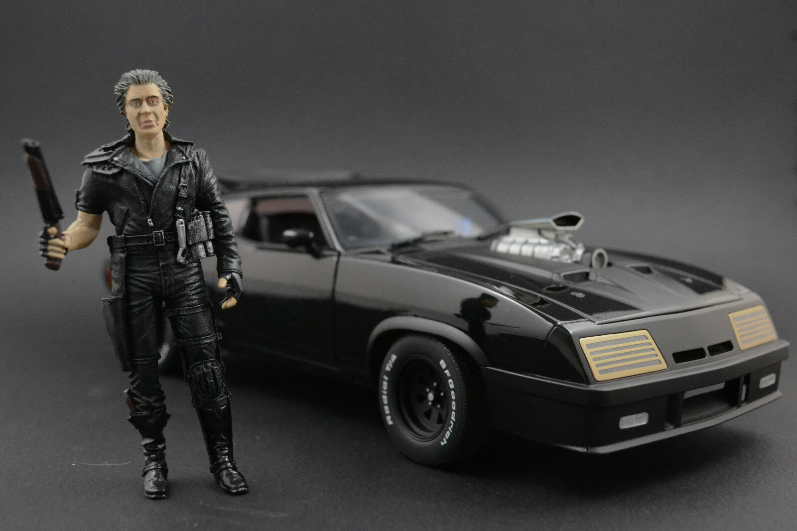 Mad Max Figura per 1 18 Ford Falcon Interceptor AUTOart