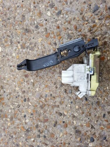 Ford Focus MK1 N//S//R Passenger Side Rear Door Lock Central Locking Mechanism  J1
