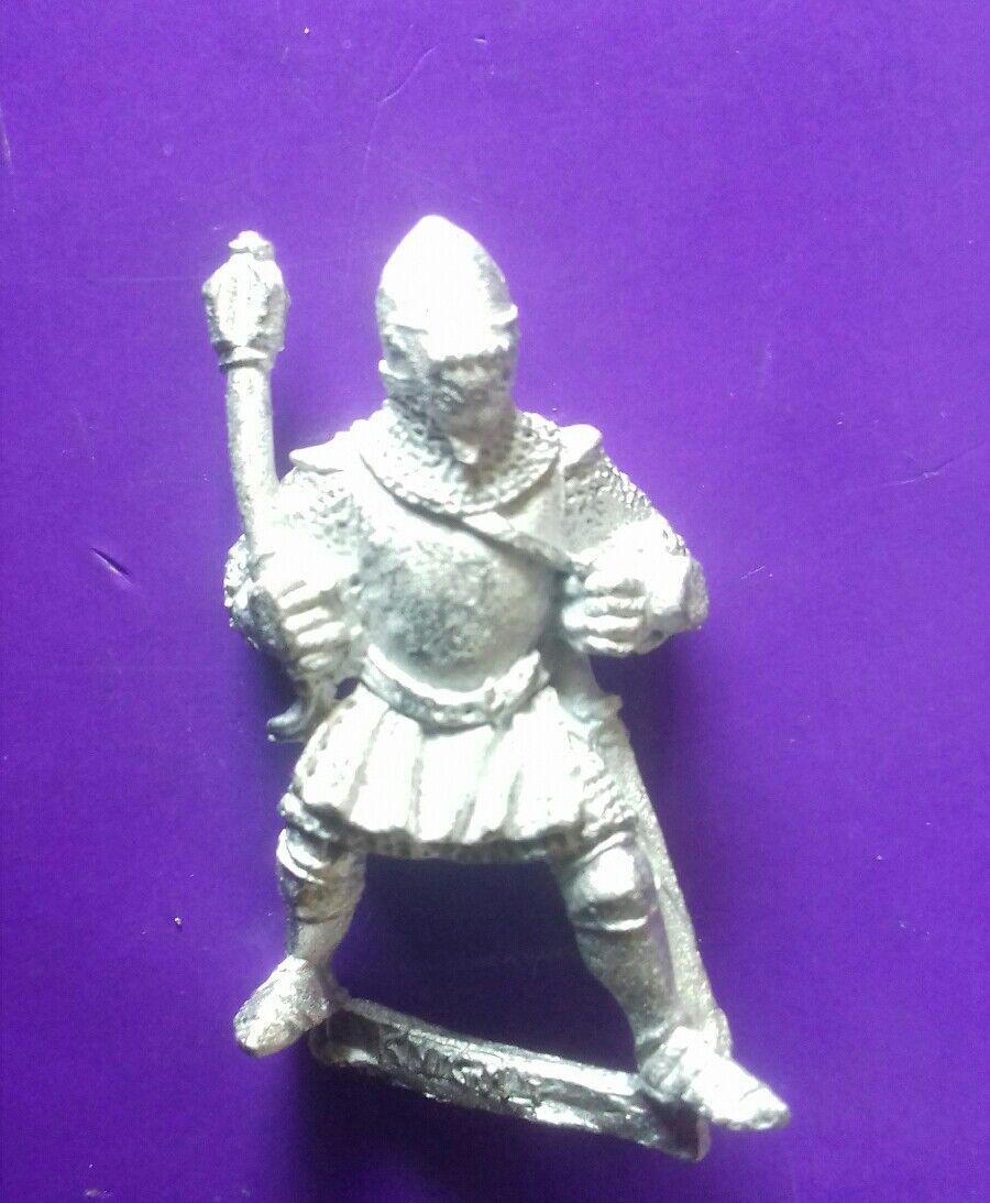 1x Bretonnian foot knight citadel gw 1991 red catalogue mace & visored helm  U