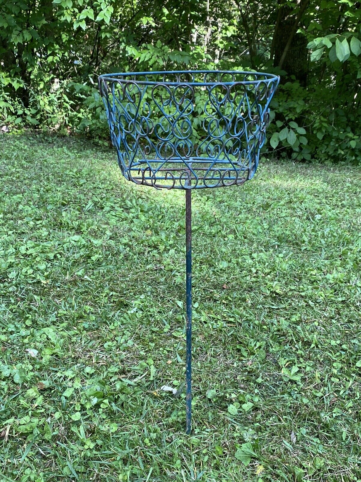 Picture of: Vintage Metal Plant Stand With Stake Stand Alone Mid Century Modern 25 For Sale Online
