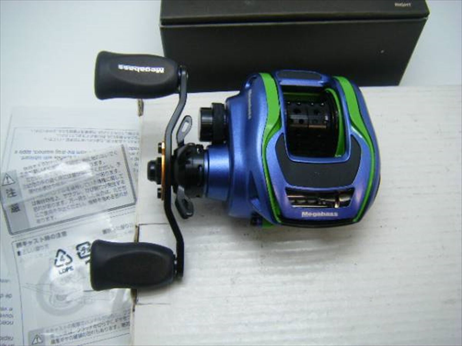 New Megabass FX68R VIOLA Right handle Reel Bait Casting Reel handle LIMITED COLOR F/S EMS JP 057734