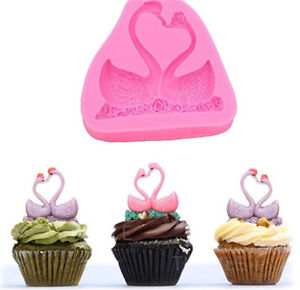 swan-shaped-mould-for-designed-cakes