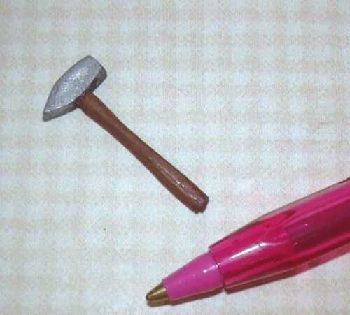 Miniature Cast Metal Chisel #1 for DOLLHOUSE/Wooden Handle 1:12 Scale Miniatures