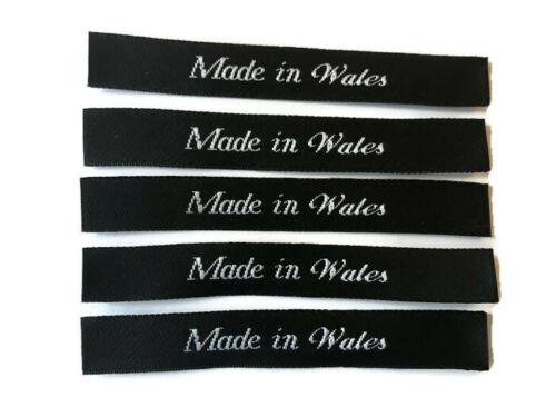 Hecho en Gales Coser en Ropa Tejida corte de etiqueta de la ropa y sellado Etiqueta de Satén