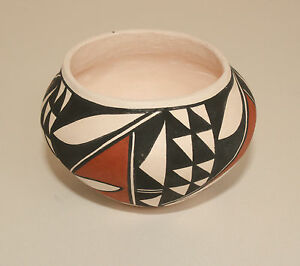 Native-American-Olla-Shaped-Pot-by-Clara-Fernando-Laguna-Pueblo