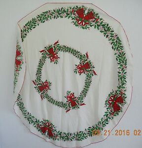 Nice Christmas Tablecloth With Bells Bows And Holly Off White Green Red Ebay