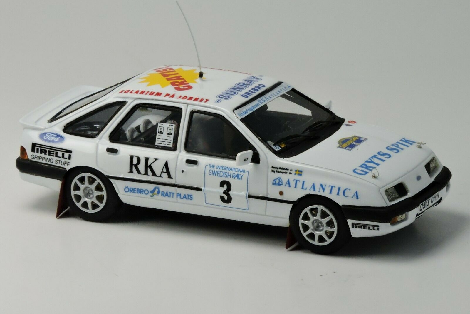 kit Ford Sierra Xri 4X4  3 Rally Svezia 1988 - Arena Models kit 1 43