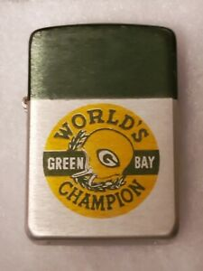 Vintage 1965 Green Bay Packers World's Champion Storm King Lighter New Unused