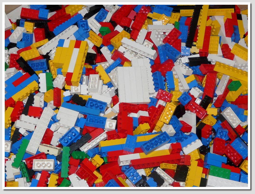1,2 kg Lego Super Mix nur mit Basicsteinen bis 2 x 8 Noppen im Besteen Zustand.