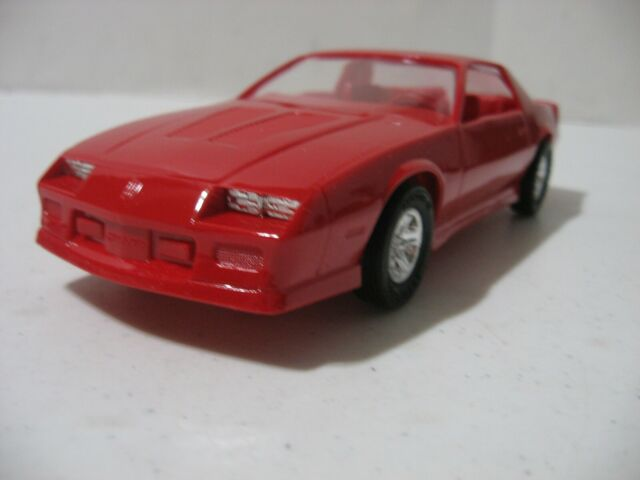 amt ertl 1990 chevrolet camaro iroc z promo model 6043 bright red no box for sale online amt ertl 1990 chevrolet camaro iroc z promo model 6043 bright red no box