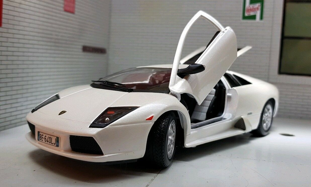 1 24 Escala vit Perla Lamborghini Murcielago V12 Burago