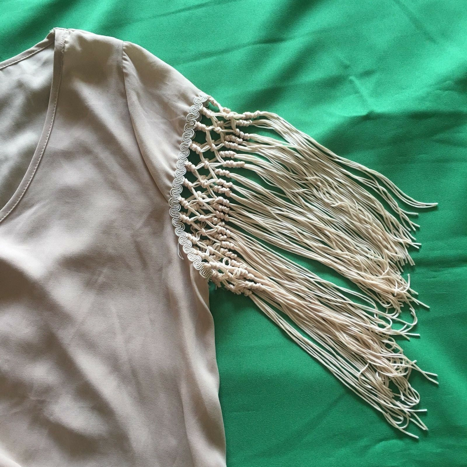 NEW 2 Tee Couture damen Tunic Blouse M 8 10 Tan Beige Tassels Sexy Low High 2A82