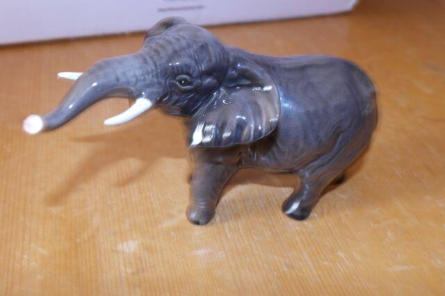 BESWICK ELEPHANT NO 974 SMALL TRUNK STRETCHING GREY GLOSS