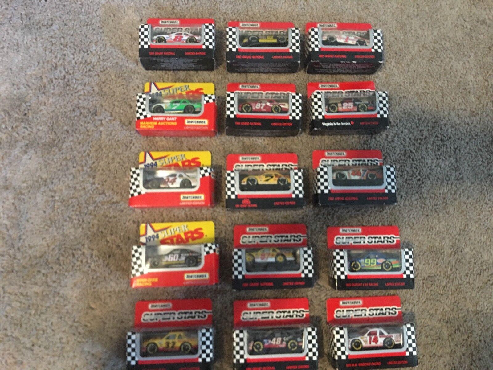18 cajas de cerillas, edición limitada de súperestrella naska, Cocheros de fundición, vehículos nuevos y 12 vehículos usados.