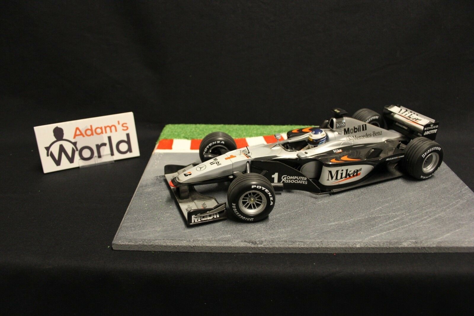 Minichamps McLaren Mercedes MP4-15 2000 1:18 #1 Mika Hakkinen (FIN) (F1NB)