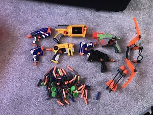 Lot de pistolets Nerf assortis