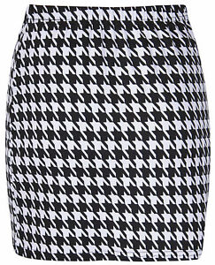 Ladies Black And White Dog Tooth Check Skirt