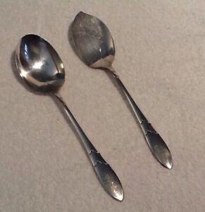 Community Plate Lady Hamilton Pattern Oval Soup// Dessert Spoon  Silverplate